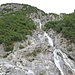 Steilstufe zwischen Val Trigl und Trigl Grond. Abstieg (Aufstieg) links des Wasserfalls