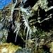 <br />Alles nur Show.<br /><br />Eiszapfen wollen bewundert werden. Nur das.<br />____________________<br /><br /><br />♬♫♩...She's So Cold...♬♫♩<br /><br />(The Rolling Stones)<br />[http://www.youtube.com/watch?v=jo34VhfcetU]
