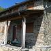 il rifugio Griera: a sinistra del rifugio e pochi metri a monte,vive una famiglia di marmotte