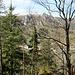 Schloss Werenweg jenseits des Tales sollte der Schlusspunkt des Felsenhoppings werden ;-)