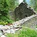 Cagnago, 1210m: Die Zeit drängt. Ruinen drohen den endgültigen Zerfall.