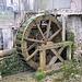 Mühlenrad am Dorfausgang von Reigoldswil