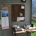 Eine etwas eigenwillige Telefonkabine in Pozzo