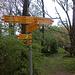 Bivio lungo il sentiero che da Lattecaldo, taglia fuori Sagno, andando ad immettersi sulla mulattiera per il Bisbino
