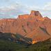 The Sentinel (3165 m) dominiert die rechte Seite eindeutig