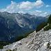 Abstieg zur Nassereither Alm mit Blick in die Lechtaler Alpen.