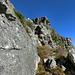 und die Felsen geht es nach links hinauf