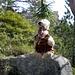 Er hängt am Baum, der arme Tropf, streicht jedem Wanderer um den Kopf. Er hofft, dass ein Hikr ihn wieder erkennt, zu seiner Rettung den Berg rauf rennt.