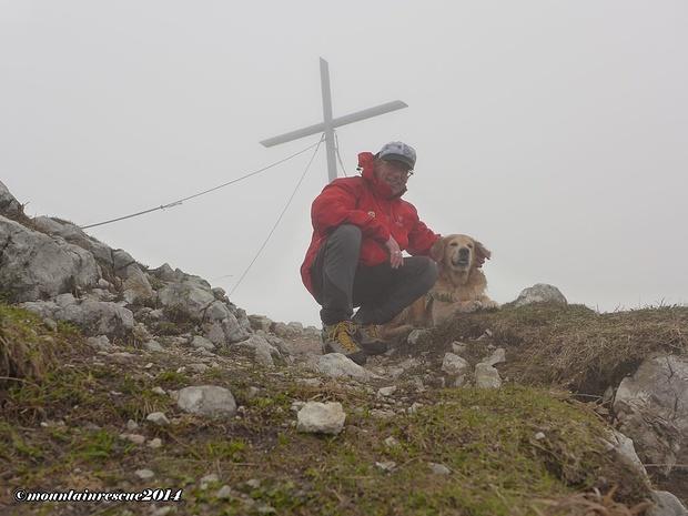 Dichter Nebel herrscht am Gipfel vor