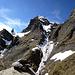 """Das """"Gletscherhorn"""" hat mir heute die kalte Schulter gezeigt - ein Gipfel, dem man sich nicht so leicht nähern kann. Im Vordergrund mein Steinmännchen am Ausstieg meiner Route"""