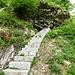 ...zu dieser imposanten, neuen Granitstein-Treppe