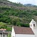 Blick von der Bahnstation Staben hinauf zum Schloss Juval