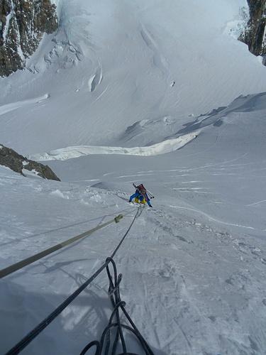 Steiles Firnfeld am Mont Maudit um die Spaltenzone zu umgehen