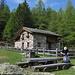 la bella baita situata all'alpe Prato del Conte: prendendo a sinistra,anebdo la struttura alle spalle,si arriva al cartello indicatore per il bivacco