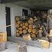 la legna non manca....qualche attrezzo forse sarebbe il caso,coma la mazza/cuneo