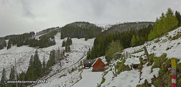 Oberhalb der Ramplerhütte sieht man schon Maria Schnee