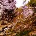 Il canalone alla Palestra di Roccia. Qui finisce la parte agevole e occorre passare là in mezzo.