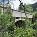 Ein unterirdischer Stollen führt Wasser von Niederernen zum Kraftwerk in Mörel. Für die Querung des Milibaches dient dieser Aquaduct. Das der ab jetzt auch begehen werden kann ermöglichte den neuen Wanderweg.