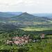 Beuren und Hohenzollern, ganz hinten den Turm auf dem Plettenberg (SC6)