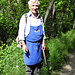 ... und schon erscheint der Waaler in der traditionellen Vinschger Schürze (Foto Urs Dolder)