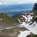 Blick hinunter nach Thun. Weniger diesig und man sähe links nach Bern oder noch weiter.