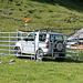 """""""Armes"""" eingesperrtes Auto auf der Alp Sursass"""