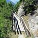 """hier trifft man auf den Spazierweg dem wasserführenden """"Oberä Wasserleitji"""" entlang"""