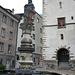 alle guten Dinge sind drei :   Martinsbrunnen auf dem Martinsplatz mit der Kirche St. Martin