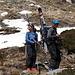 Paolo e Silvia tra chiazze di neve e rododendri