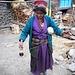 """""""File la laine, file les jours..."""" Hameau de Pajung, dans la dernière descente vers Syabru Besi"""