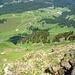 Tiefblick nach Amagmach, über die Nordwand der Winterstaude, wird auch im Winter von diversen [http://www.hikr.org/gallery/photo696607.html?post_id=45521#1 Freaks] befahren!