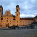 Abendstimmung am Kloster Einsiedeln<br /><br />ein gaannnz langer Tag geht stimmungsvoll zu Ende