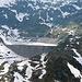 Lago di Lucendro<br /><br />mmmmmmmm        <br />entweder wird im Winter die Staumauer verkleinert oder das Wasser am Gotthard verhält sich nicht gemäss den physikalischen Gesetzmässigkeiten.