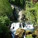 Twannbach Wasserfall (Das wenige Wasser wird aktuell für Energie abgezapft... Siehe Rohr rechts) Bei [u laponia41] [http://www.hikr.org/gallery/photo990054.html?post_id=59366#1 so...]
