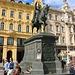 Statue von Ban Jelačić am gleichnamigen Platz in der kroatischen Hauptstadt. In Kroatien gilt er als Nationalheld. Der Freiheitskäpfer des 19.Jahrhnderts gilt als Symbol für den Wunsch des kroatischen Volkes nach staatlicher Einheit, Unabhängigkeit und der Wahrung der nationalen Identität.