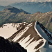 In Bildmitte, mit dem Schneegrat, der Pizzo del Corvo 3015m.