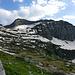 Cima die Gagnone (2518 m) und links davon der Passo di Gagnone (2215 m)