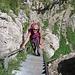 Monica sulla scala esterna dello Stollenloch.