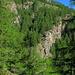 vom Weg nach Unneri Galgera: -> später durch Felsen und Wald nachTirbja