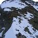 Kurz vor uns die Plattenkletterei im 2. Grad, anschliessend 400 Höhenmeter Serpentinen zum Gipfel.