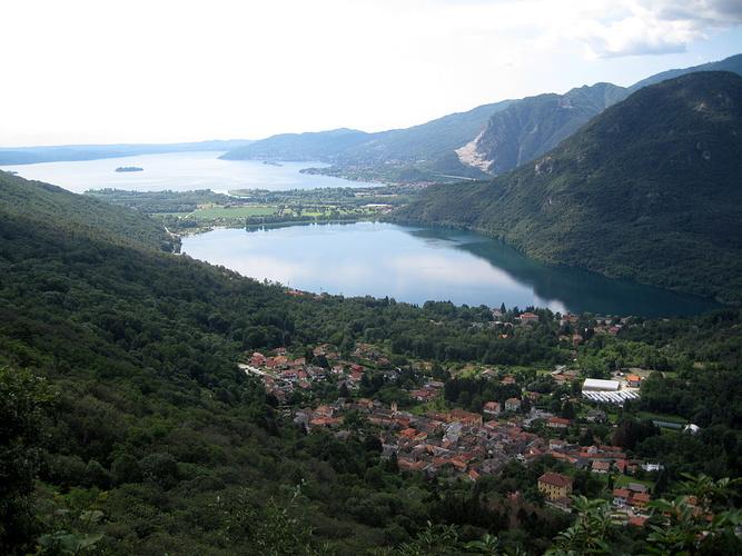 Lago di mergozzo e maggiore sotto bracchio fotos for Lago di mergozzo