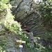St. Luzikap.  versteckt unter dem Felsen