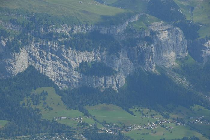 Klettersteig Flimserstein : Der flimserstein oberhalb fidaz mit seinem klettersteig hikr