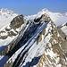 Aussicht vom Grossen Wannenhorn (3905,9m) auf Jungfrau (4158,2m), Eiger (3970m) und Mönch (4107m).<br /><br />Davor sind die auf HIKR noch unbestiegene Gipfel Chamm (3866m), Fiescher Gabelhorn (3876m) und Schhönbüelhorn (3854m).