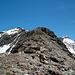 Der weitere Gratverlauf auf dem Mont Rouge du Giétro. Hinten rechts der P.3375