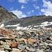 Foto vom ersten Besteigungsversuch am 27./28.7.2013: <br /><br />Mit meinem schweren Biwakmaterial habe ich nun endlich die Geröllebene unterhalb der Arêtes de Lire Rose erreicht. Darüber ist der Col de Lire Rose (3115m) in dem der Aufstieg auf die La Ruintette beginnt.