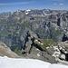 unten kann man die Hütte erahnen, gegenüber die Bergstation der Seilbahn zur Muttseehütte