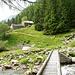Über die neue Brücke zur Alpe di Voisc