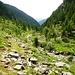 Valle d'Osogna - Steilstufen wechseln sich mit Ebenen ab