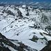 Auf dem Gipfel, Blick hinunter auf unsere einsamen Spuren im Schnee.